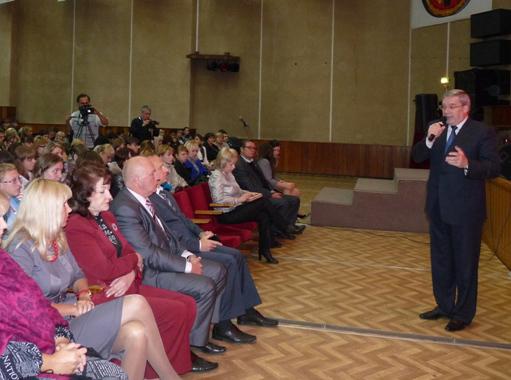 Виктор Толоконский провел встречу с преподавателями и студентами НГПУ