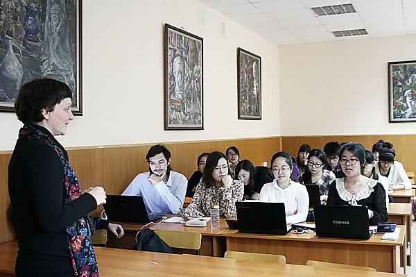 Хорватские культурологи встретились со студентами ИИГСО НГПУ