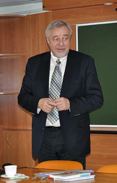 В НГПУ прочитал лекции академик Николай Николаевич Малофеев