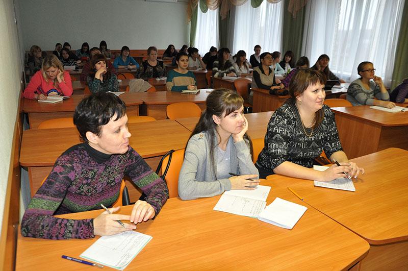 В НГПУ прочитал лекции академик Николай Малофеев
