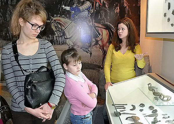 Студенты НГПУ познакомились с древней культурой Сибири и Дальнего Востока