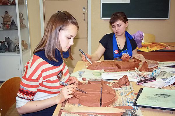 ИИ НГПУ принимает участников Международного фестиваля сибирской керамики