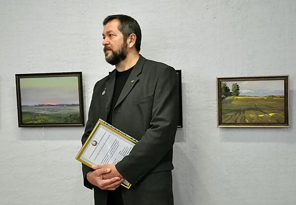 Доцент ИИ НГПУ представил выставку по итогам пленэров 2013 года
