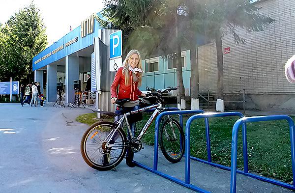 В рамках проекта молодогвардейцев в НГПУ открылась велопарковка