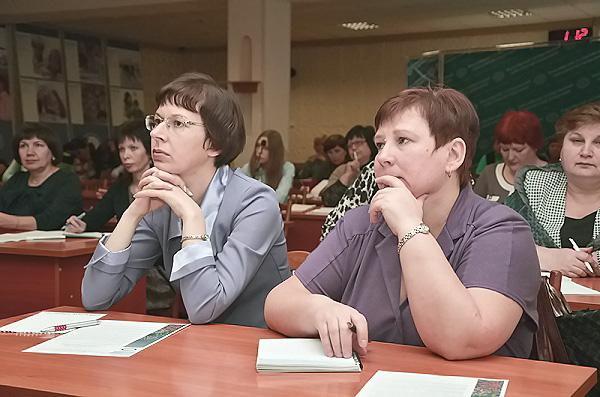 Работу с детьми с ограниченными возможностями обсудили в НГПУ