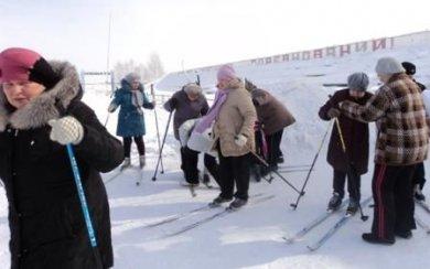 Профессора новосибирских вузов и ветераны спорта стали участниками лыжного перехода