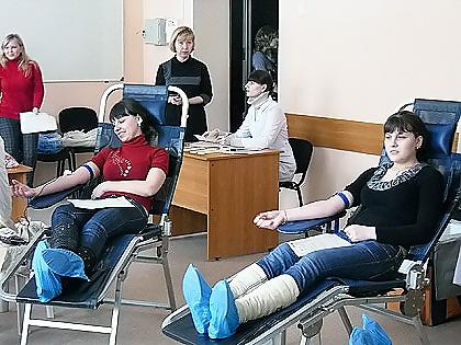 Новосибирские студенты в 25 раз сдадут кровь