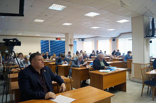 Современное языковое и литературное образование: в НГПУ состоялся Ученый Совет
