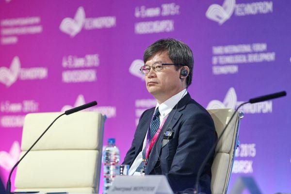 Лауреат Нобелевской премии по физике за 2014 год Хироси Амано готов работать в Сибири