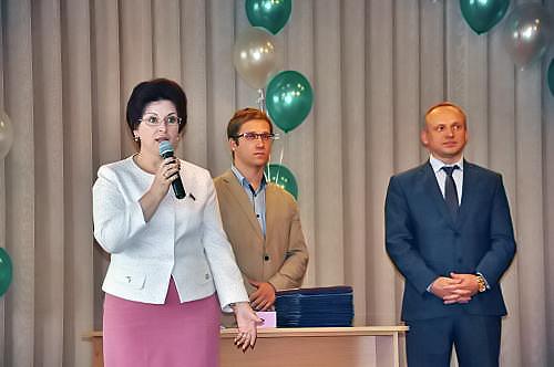 Ирина Мануйлова сегодня вручила дипломы выпускникам Новосибирского ГПУ