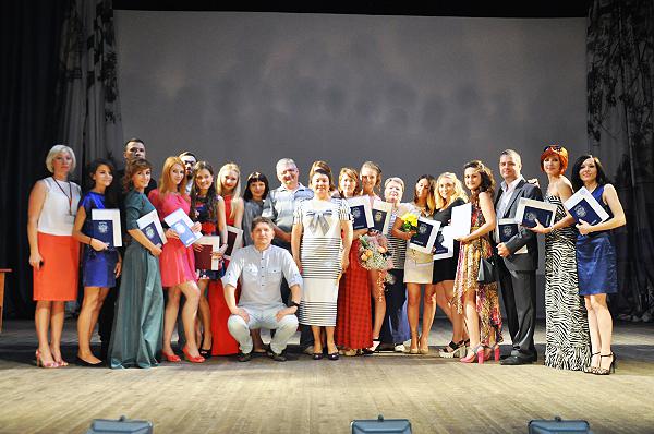 Специалисты и бакалавры ИРСО НГПУ получили дипломы