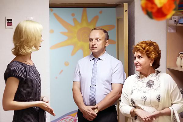 Университеты сильны своими выпускниками. Торжественное вручение дипломов в НГПУ посетила член Совета Федерации Надежда Болтенко