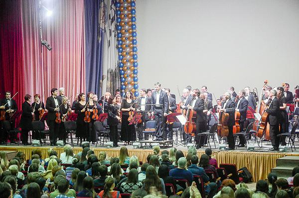 Новосибирская филармония поздравила НГПУ с 80-летием