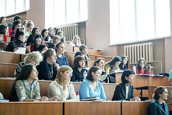 Международный семинар-практикум для учителей английского прошел в НГПУ