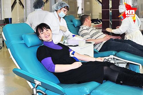 Новосибирские студенты сдали более 600 литров крови