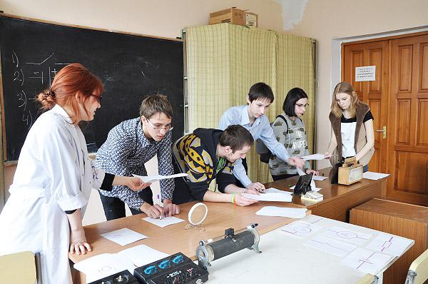 Физический квест: сумасшедшие ученые против школьников