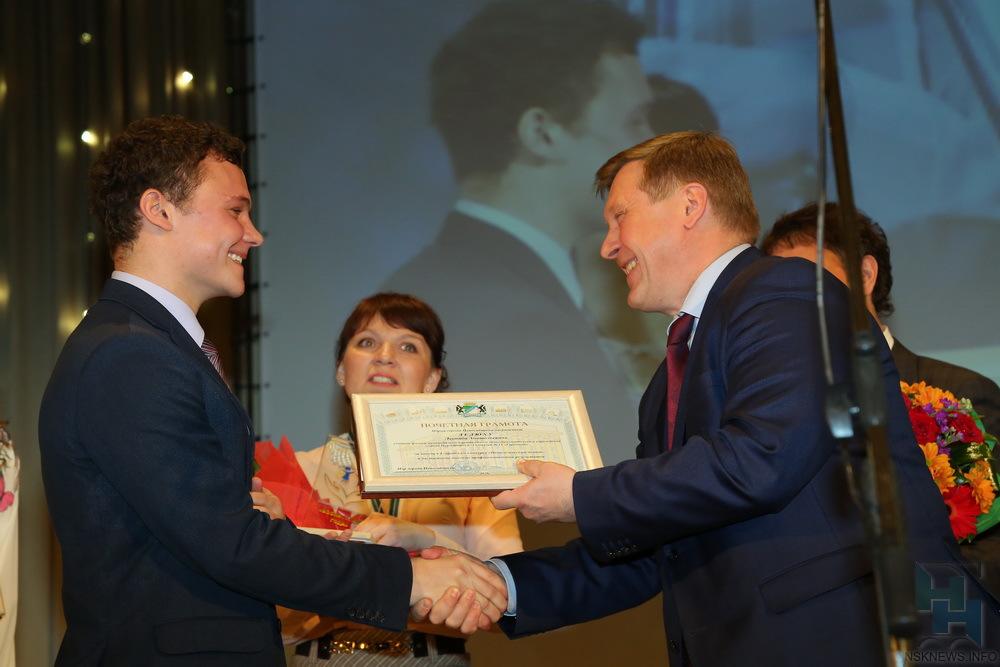 Новосибирский учитель физики победил в общероссийском конкурсе «Педагогический дебют»