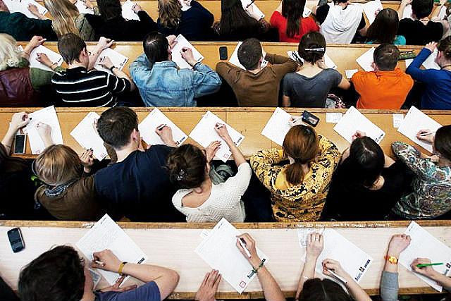 Новосибирский проект «Тотальный диктант» впервые запустил онлайн-курс русского языка