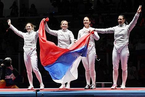 Путин и Медведев поздравили российских фехтовальщиц с победой на летней Олимпиаде в Рио-де-Жанейро