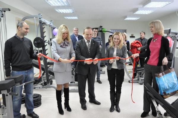 В НГПУ открылся современный тренажерный зал