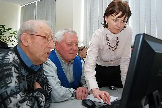 Новосибирские пенсионеры могут бесплатно пройти курсы компьютерной грамотности