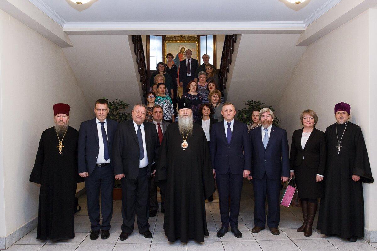 Митрополит Тихон провел встречу с начальниками отделов образования администраций районов Новосибирска