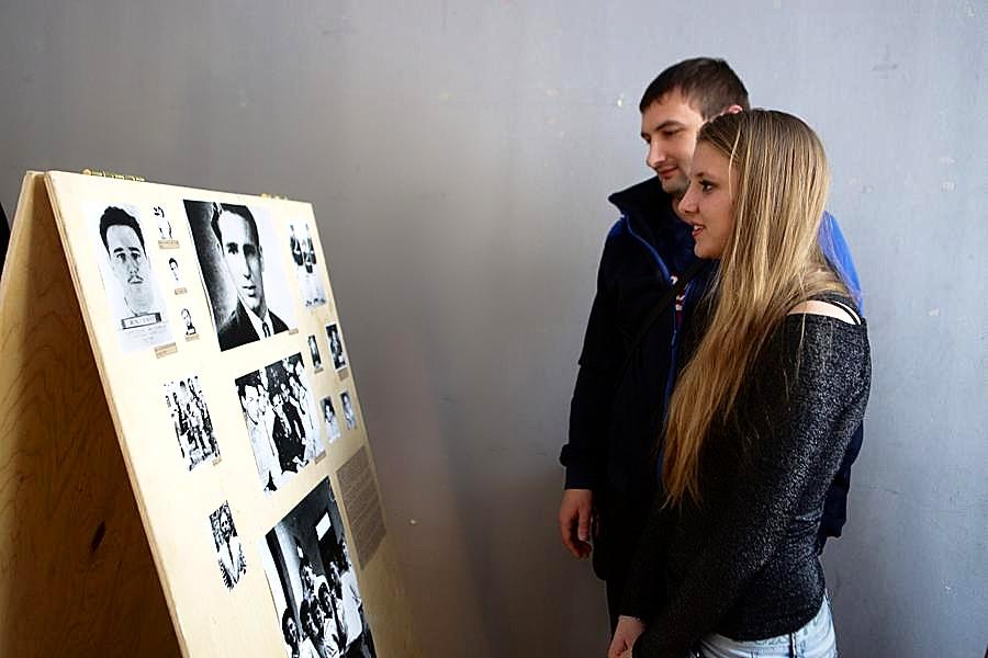 В Новосибирске открылась фотовыставка, посвященная Фиделю Кастро