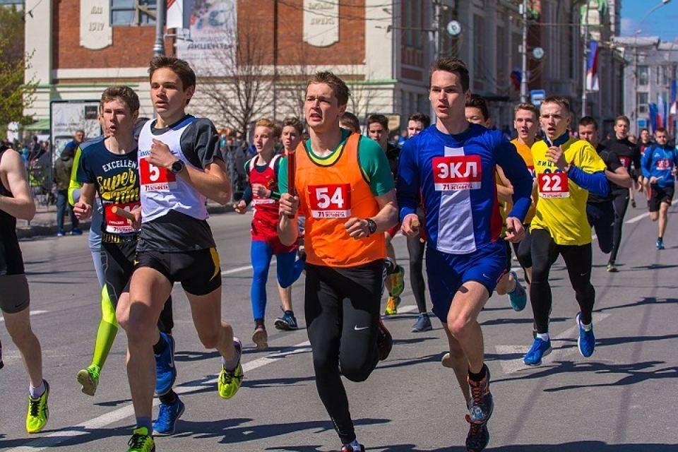 Почти две тысячи новосибирцев приняли участие в легкоатлетической эстафете 9 мая