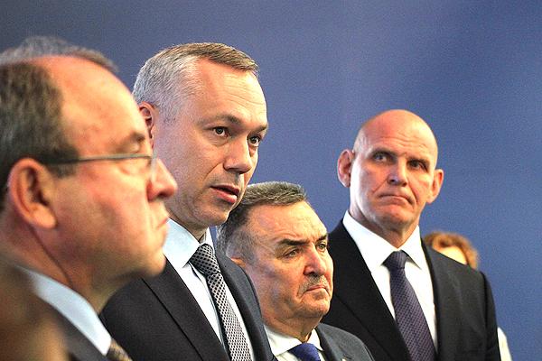 Андрея Травникова поддержал Карелин на губернаторских выборах
