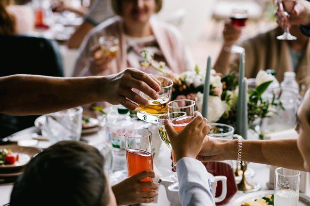 Праздненство или празднество – как правильно?
