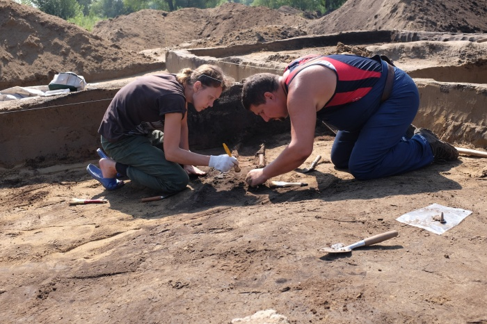 Новосибирцев позвали на раскопки старинной церкви на месте строительства нового моста