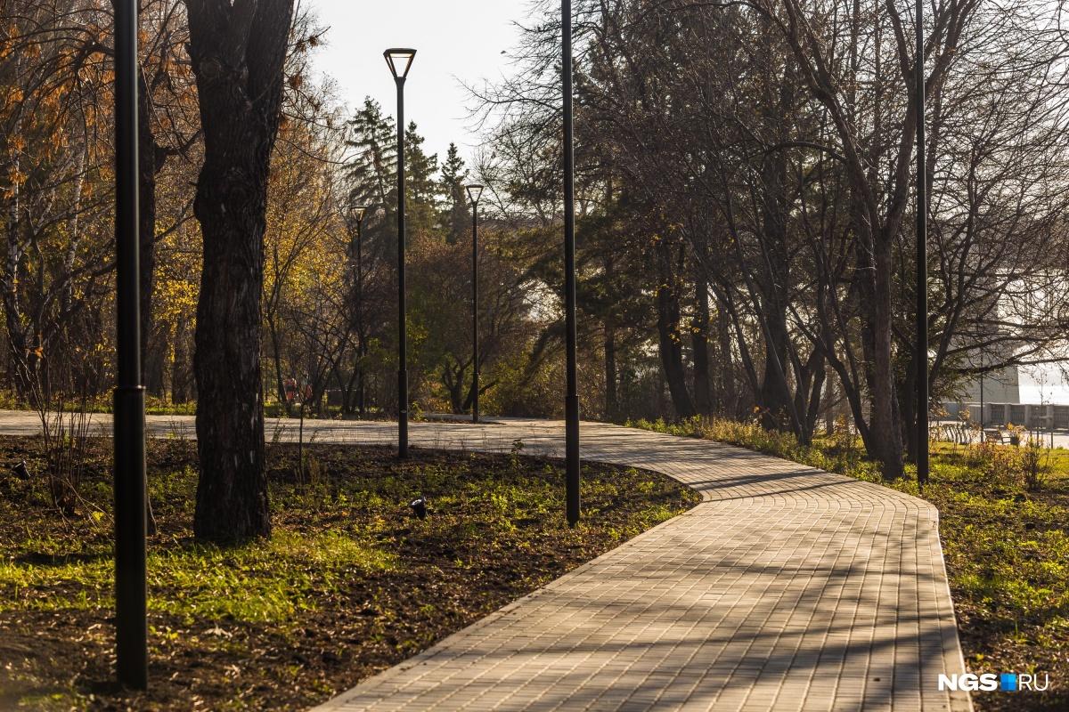 Пряный сад, духовой оркестр и кафе: на Михайловской набережной открыли верхний променад
