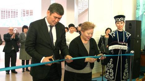 В Х выставке «Образование и наука XXI века-2013» в Астане принимают участие представители 9 стран