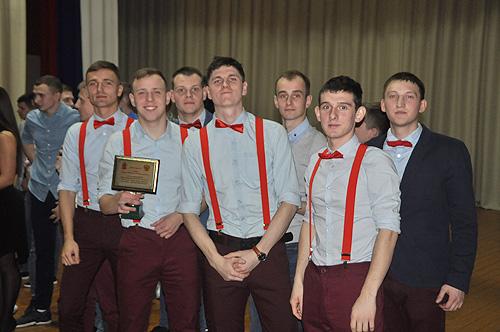 В Новосибирском военном институте Росгвардии состоялась новогодняя игра Клуба веселых и находчивых
