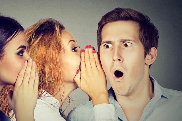 На слуху или наслуху – как правильно?