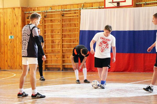 В НГПУ провели турнир по мини-футболу среди молодежи