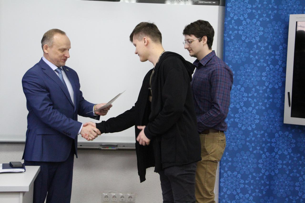 Драгоценная победа: студенты ИИ НГПУ победили в конкурсе ювелиров