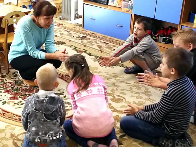 """«Дети с аутизмом раньше были """"невидимками""""» — воспоминания родителей"""