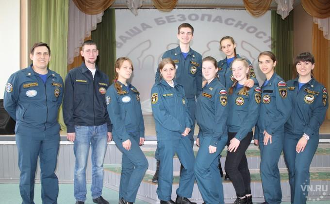 Останавливать кровотечение учат школьников в Ордынке