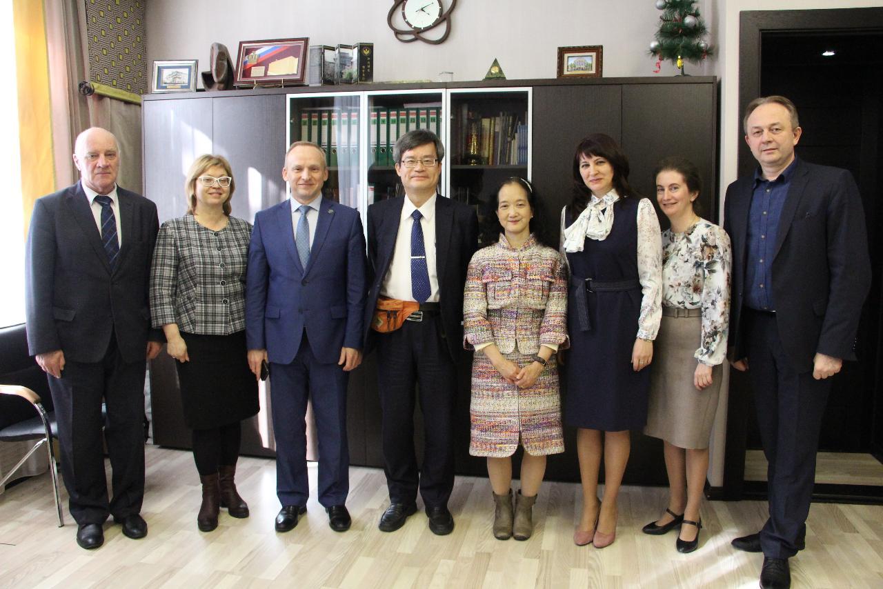 Встреча с нобелевским лауреатом: Амано Хироси посетил НГПУ
