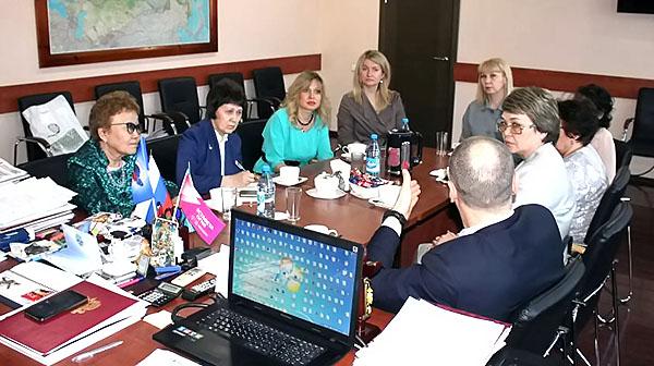 В ТувГУ прошла рабочая встреча по подготовке общественных наблюдателей ГИА с участием заместителя руководителя Рособрнадзора Анзора Музаева
