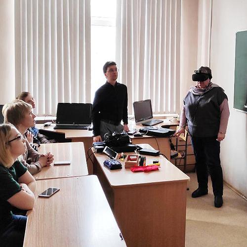 Российские ученые показали студентам Новосибирска первый VR-симулятор болезней глаз