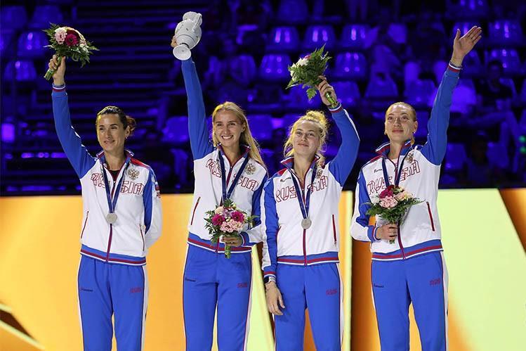 Серебро чемпионата мира помогла добыть россиянкам фехтовальщица из Новосибирска