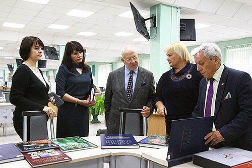 Стирая границы: сотрудничество НГПУ и университета Порту
