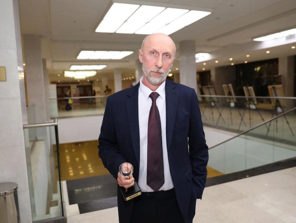 Статуэтку получил Человек года в сфере культуры