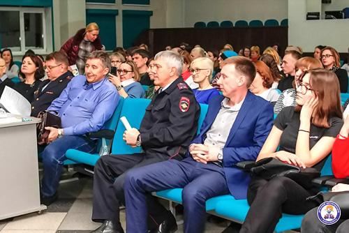 В Новосибирске обсудили вопросы безопасности несовершеннолетних участников дорожного движения
