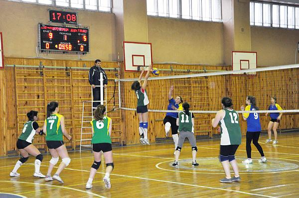 В НГПУ завершилась Спартакиада–2013 по волейболу