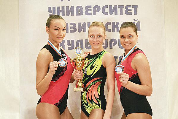 Соревнования по аэробике в Омске принесли «серебро» НГПУ (фото)