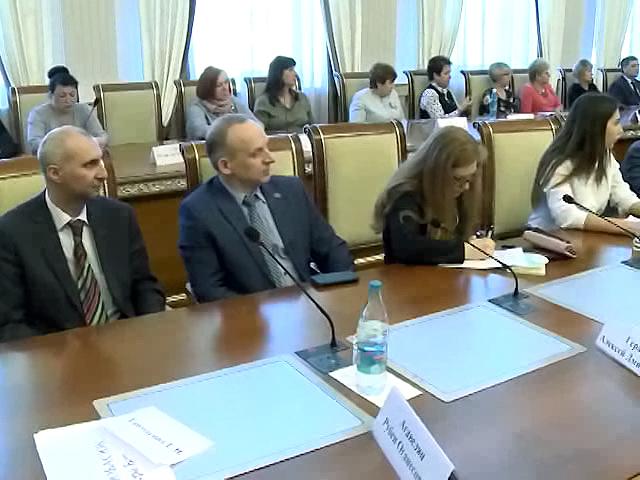 Вопросы защиты детей глазами юных жителей региона обсудили в Новосибирске